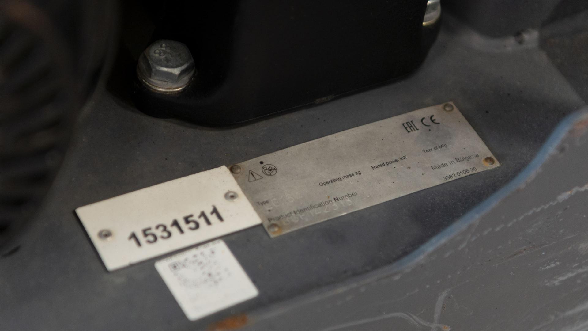 Komplicerat och krångligt att tillverka typskyltar och maskinskyltar